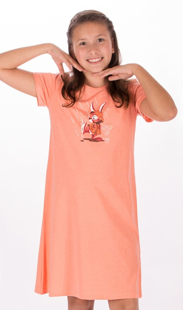 b6d35b41be74 Bedario.sk - Detská nočná košeľa s krátkym rukávom Zajac v plášti ...
