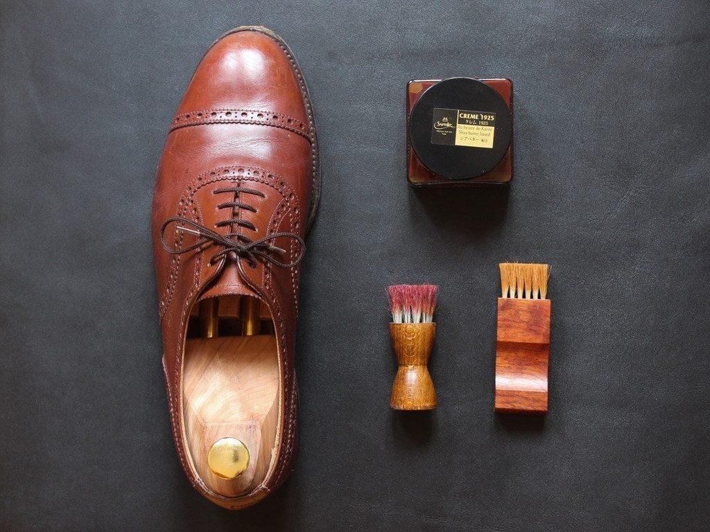Gentleman Store Hogyan fényesítse cipőjét cipőkrémmel?