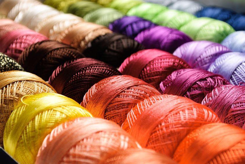 Přehled technologií pletení textilních materiálů
