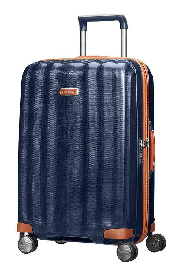 Pokud zavazadla překročí povolené váhové a rozměrové limity, má cestujíccí možnost doplatit Rozměry a váhy zavazadel u jednotlivých dopravců.
