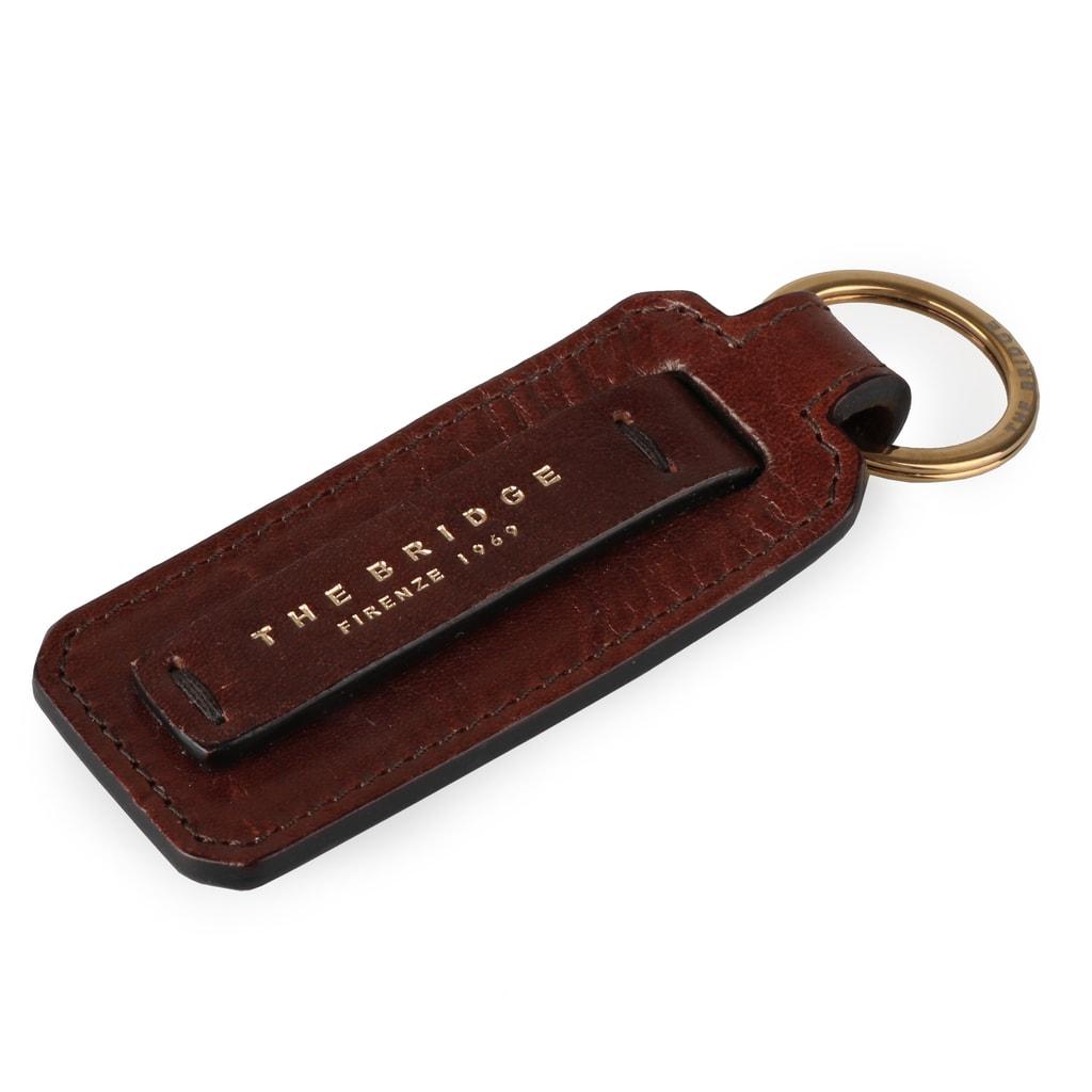 967e87663 Kožený prívesok na kľúče 095526 - The Bridge - Kľúčenky - Peňaženky ...