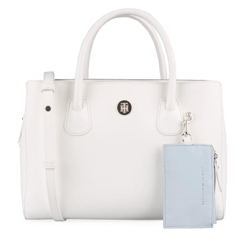 2a6bf2405e03 Elegantní kabelka z nové kolekce jaro léto 2019 skvěle doladí váš outfit a  získá si vás svým provedením. TOMMY HILFIGER ...