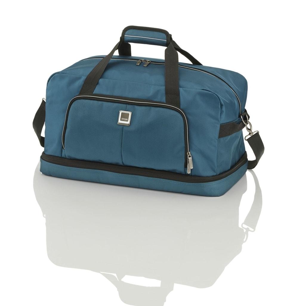 e853d601af607 Ucha tašky lze sepnout k sobě pro pohodlnější nošení v ruce. Nechybí ani  odnímatelný popruh přes rameno. CESTOVNÍ TAŠKA NĚMECKÉ ZNAČKY TITAN S ...