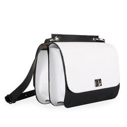 a516b20929 Díky nastavitelnému popruhu lze nosit dámskou kabelku jako crossbody či přes  rameno.