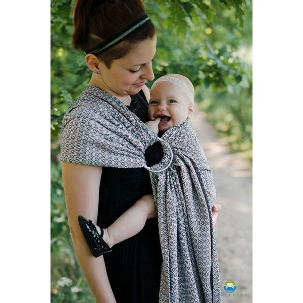 RING SLING LITTLE FROG - LOVELY SLATE - M - LITTLE FROG /BELOVED SLINGS RING SLING{% if zbozi.kategorie.adresa_nazvy[0] != zbozi.kategorie.nazev %} - ŠÁTKY{% endif %}