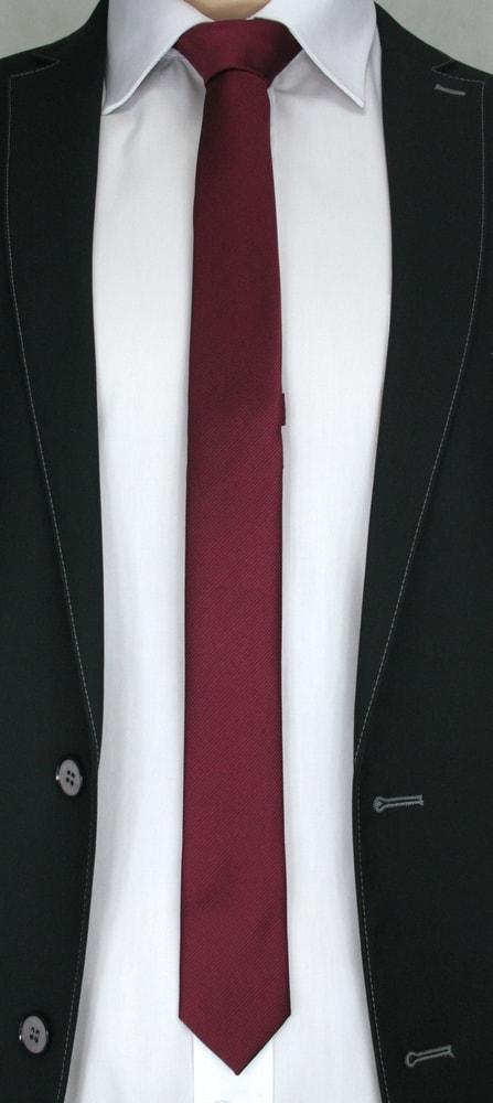 Cravata bordo cu dungi pentru barbati