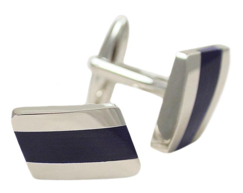 Butoni moderni pentru barbati cu aplicatii albastre