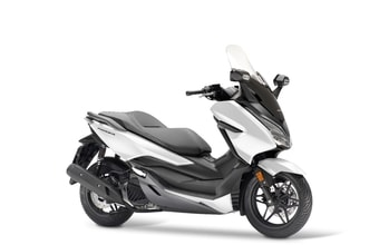 Honda Forza 125 pearl cool white matt cynos grey metallic