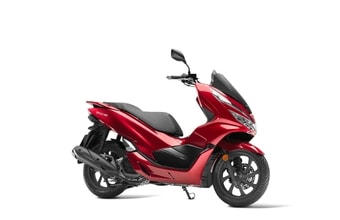Honda PCX 125 pearl splendor red