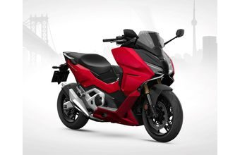 Honda Forza 750 candy chromosphere red