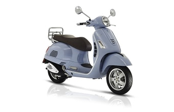 Vespa GTS 125ie ABS light blue