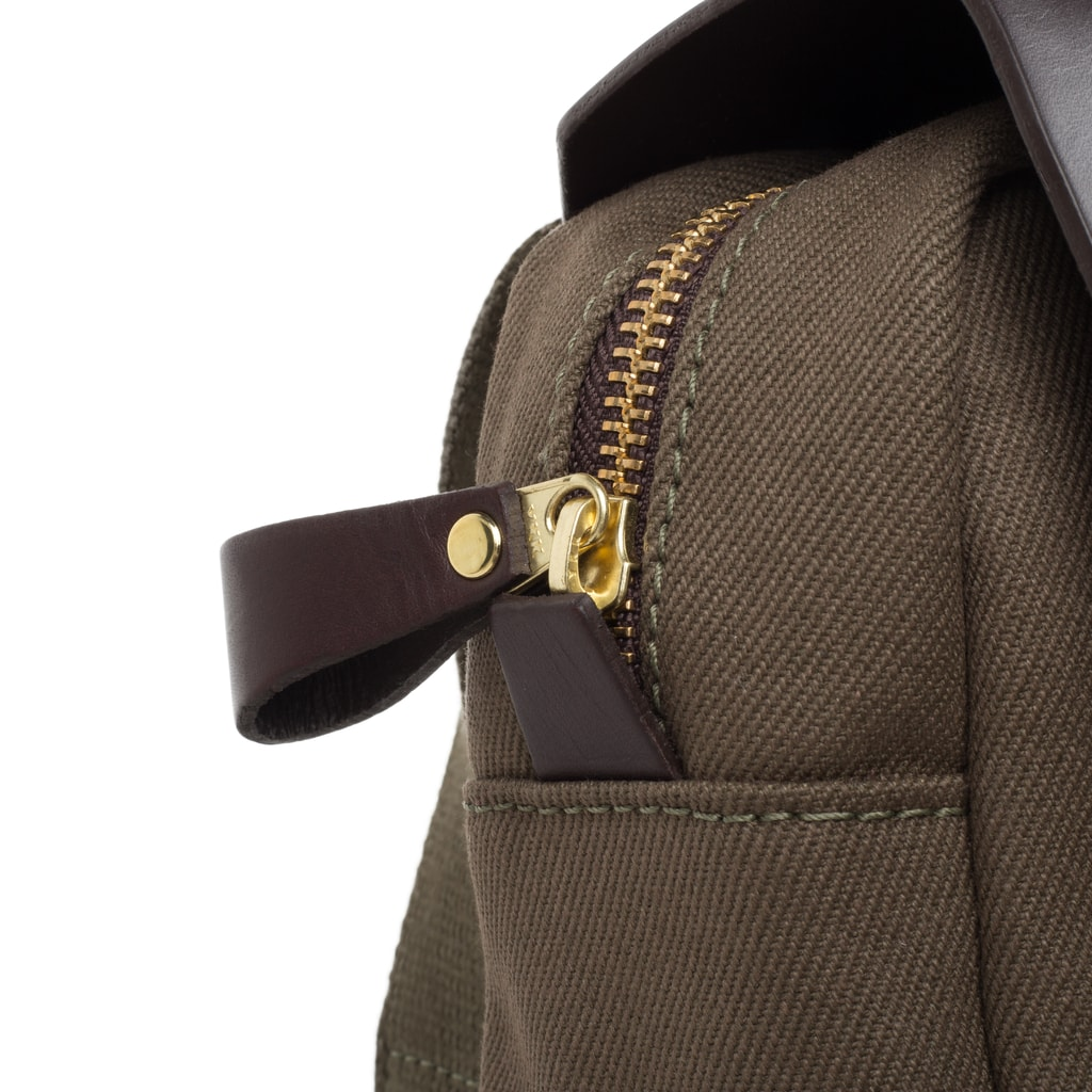 8ae88058e7261 Płócienna torba na ramię Itchen John Chapman - oliwkowa - John ...