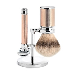 Mühle Traditional Rose Gold Shaving Set - Closed-Comb Safety Razor, Silvertip Shaving Brush, Stand