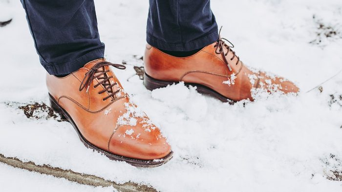 How to take care of leather shoes in winter