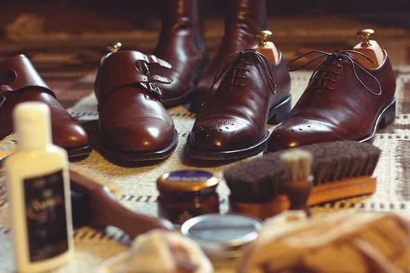 How to choose the right products to care for leather shoes