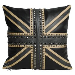 POLŠTÁŘ Union Jack Studded Cushion, GOTHIC