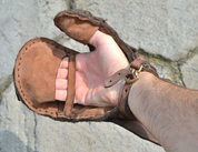 LEATHER GAUNTLET FOR SWORD FIGHTERS, LEFT HAND - LEATHER ARMOUR/GLOVES
