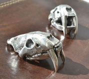 SMILODON, SABERTOOTH TIGER SKULL PENDANT, MASSIVE SILVER JEWEL, AG 925 - PENDANTS - HISTORICAL JEWELRY