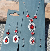 HESTIA, EARRINGS, RED GLASS - BIJOUTERIE FANTAISIE