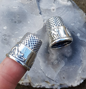 CATS, SILVER THIMBLE - RINGS - HISTORICAL JEWELRY