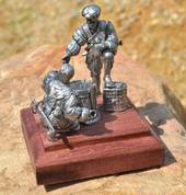 LANDSKNECHTS PLAY DICE, HISTORICAL TIN STATUE - PEWTER FIGURES