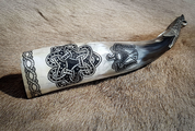 CROW, GNEZDOVO, ENGRAVED VIKING HORN - 0.4 L SHETLAND - DRINKING HORNS