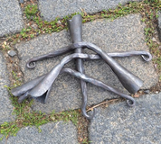TRIPOD FOR CAULDRON, MOBILE - FORGED PRODUCTS