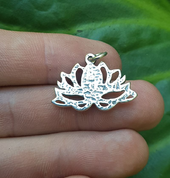 SACRED LOTUS FLOWER, SILVER PENDANT - MALACHITE - MYSTICA SILVER COLLECTION - PENDANTS