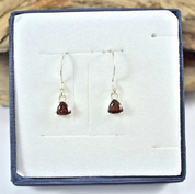TRIANGULAR, STERLING SILVER GARNET EARRINGS - MYSTICA SILVER COLLECTION - EARRINGS