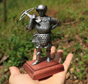 CROSSBOWMAN, HISTORICAL TIN STATUE - PEWTER FIGURES