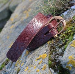 QUERCUS, Leather Belt with oak leaves, braun