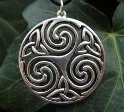 TRIPLE CELTIC SPIRAL, silvered necklace