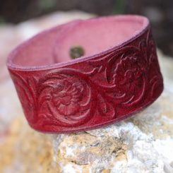 FLORAL MOTIFS, leather bracelet - burgundy