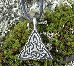 Celtic Triangle - knot amulet