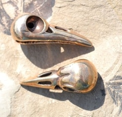 SKULL OF A CROW, bronze pendant