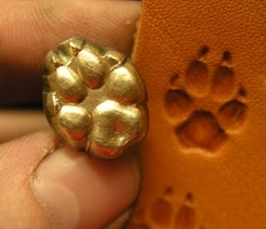 WOLF TRACK, leather stamp