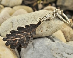 CARVED OAK LEAF KEYCHAIN, antler