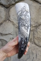 DRAGON, carved drinking horn
