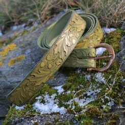 QUERCUS, Leather Belt with oak leaves, olive green