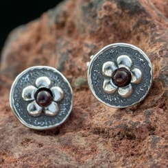 GRACE, Earrings, Garnet, Silver