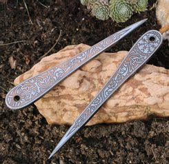 VENGEANCE BRONZE EDITION etched throwing knife with Vegvísir - 1 piece