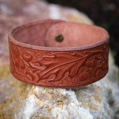 Oak Leaves, leather Bracelet - brown