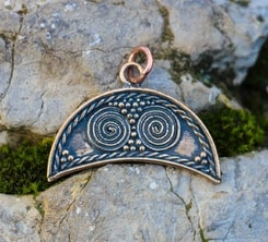 LUNA, Dark Age necklace of fertility, bronze