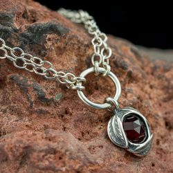SYBILA, necklace, sterling silver, garnet