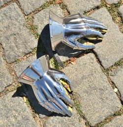 HOURGLASS GAUNTLETS, XIV Century, polished