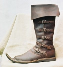 MEDIEVAL HIGH SHOES II