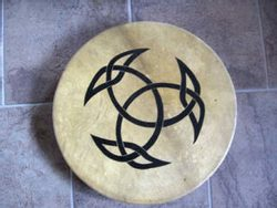 SHAMAN DRUM WITH A CELTIC KNOT