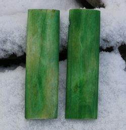 CAMEL BONE SCALES 35x120x12mm Green - 2 pieces