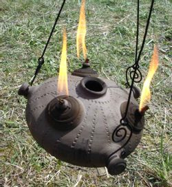 OIL LAMP WITH AN IRON CHAIN