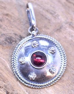 ANTICA ROMA, sterling silver pendant with a gem